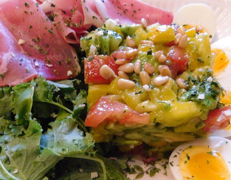Pikante Avocado Salade