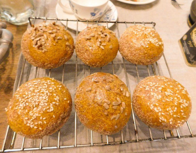 Broodjes van Amandelmeel