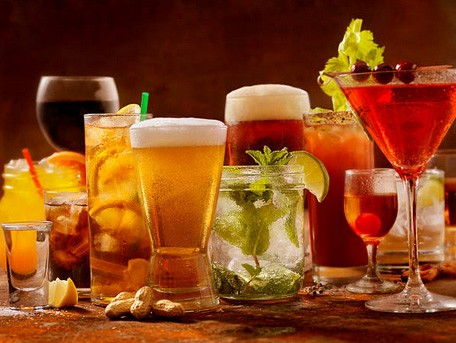 Keto lichaam & Alcohol – Wat gebeurt er met je als je alcohol drinkt en keto doet?
